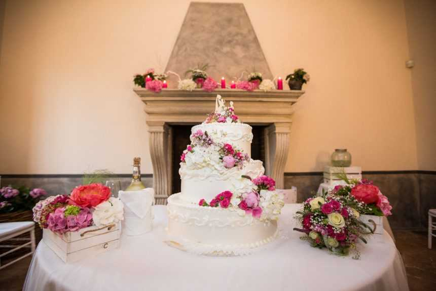 cascina-boscaccio-torta